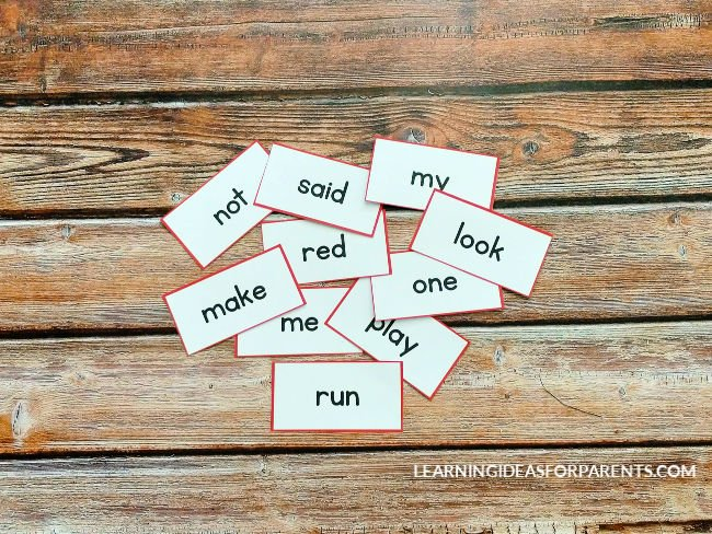 Free printable Dolch sight word flash cards.